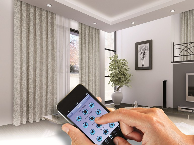 Управление шторами с помощью смартфонов и планшетов